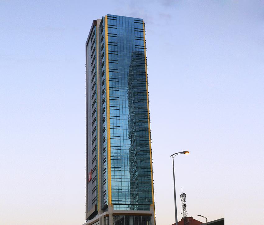 3 EM Plaza