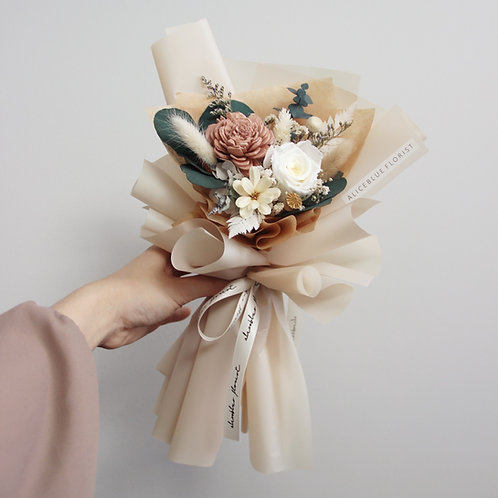Petite Preserved Flower Bouquet - Lady in Chateau