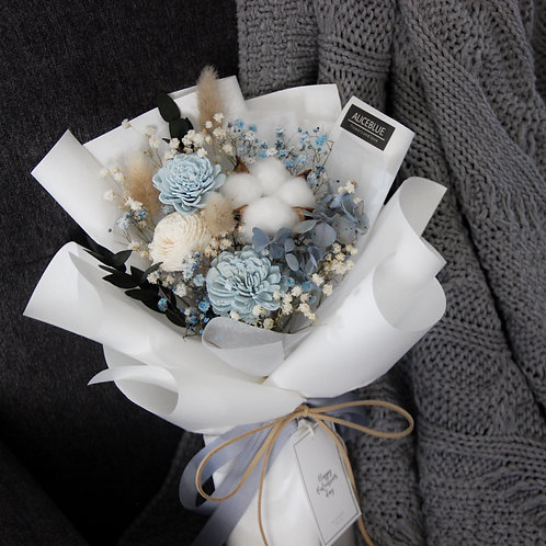 Petite Preserved Flower Bouquet (Icy Blue - White)