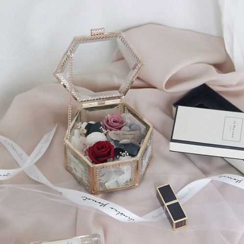 Petite Preserved Flower in Jewellery Box - The Lasting Charm of Lipstick