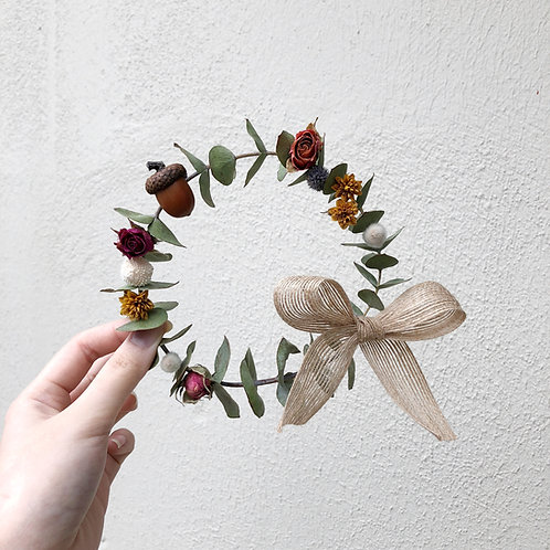 Dried Flowers Decorated Wreath (Eucalyptus)