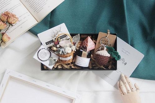 Gift Box Set w/ Mini Preserved Flower Basket