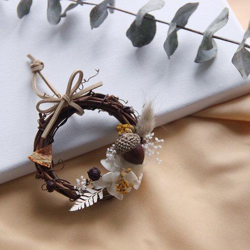 "Dried Flowers Decorated Wreath 3""(Caramel Acorn)"