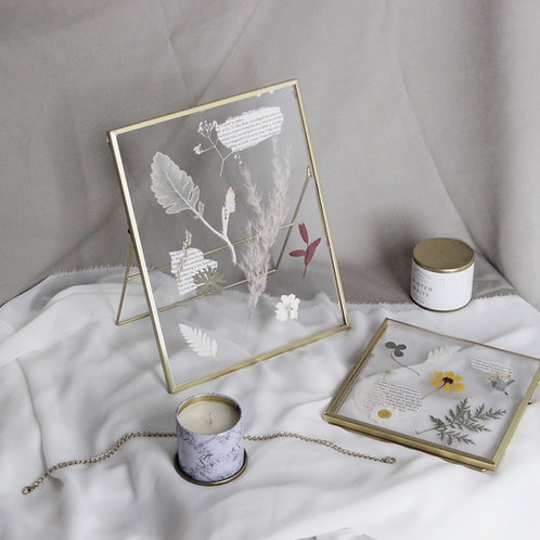 Pressed Dried Flower Golden Metal Frame (L)