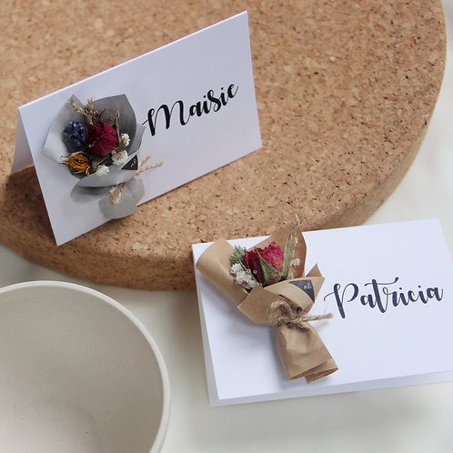 Personalized Dried Flower Name Tag (Mini bouquet - Calligraphy)