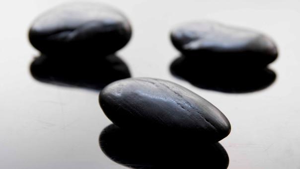 Piedras negras del balneario