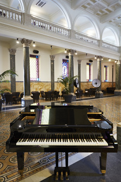 Piano bar - hotel