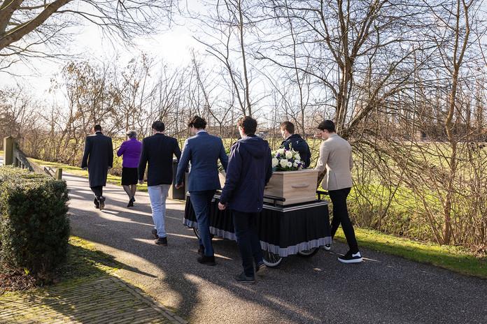 Begrafenisreportage in Sleeuwijk