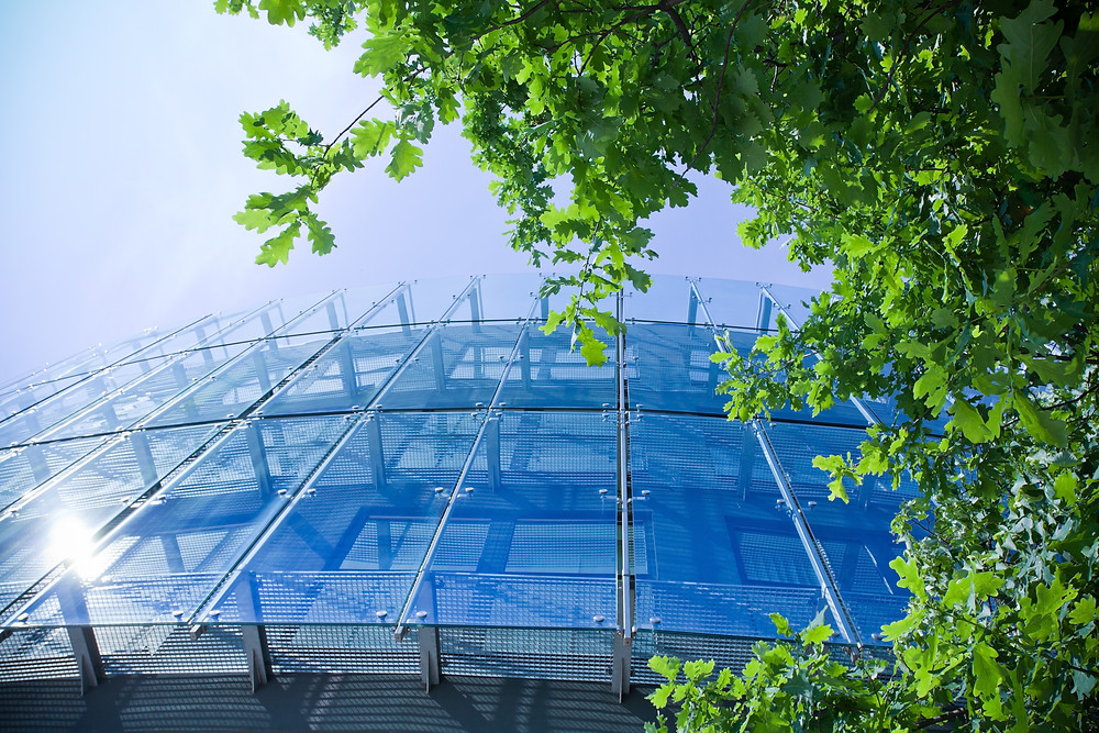 Processamento de vidros de controle solar