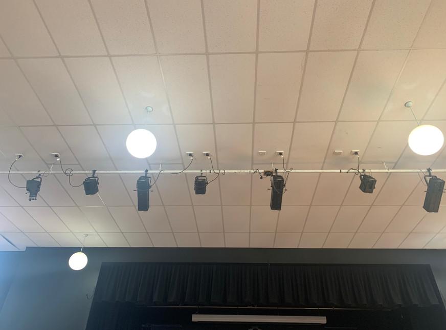 KVG (FOH Lighting Bar)
