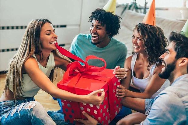 oferecer-presentes-prendas-únicas-origin