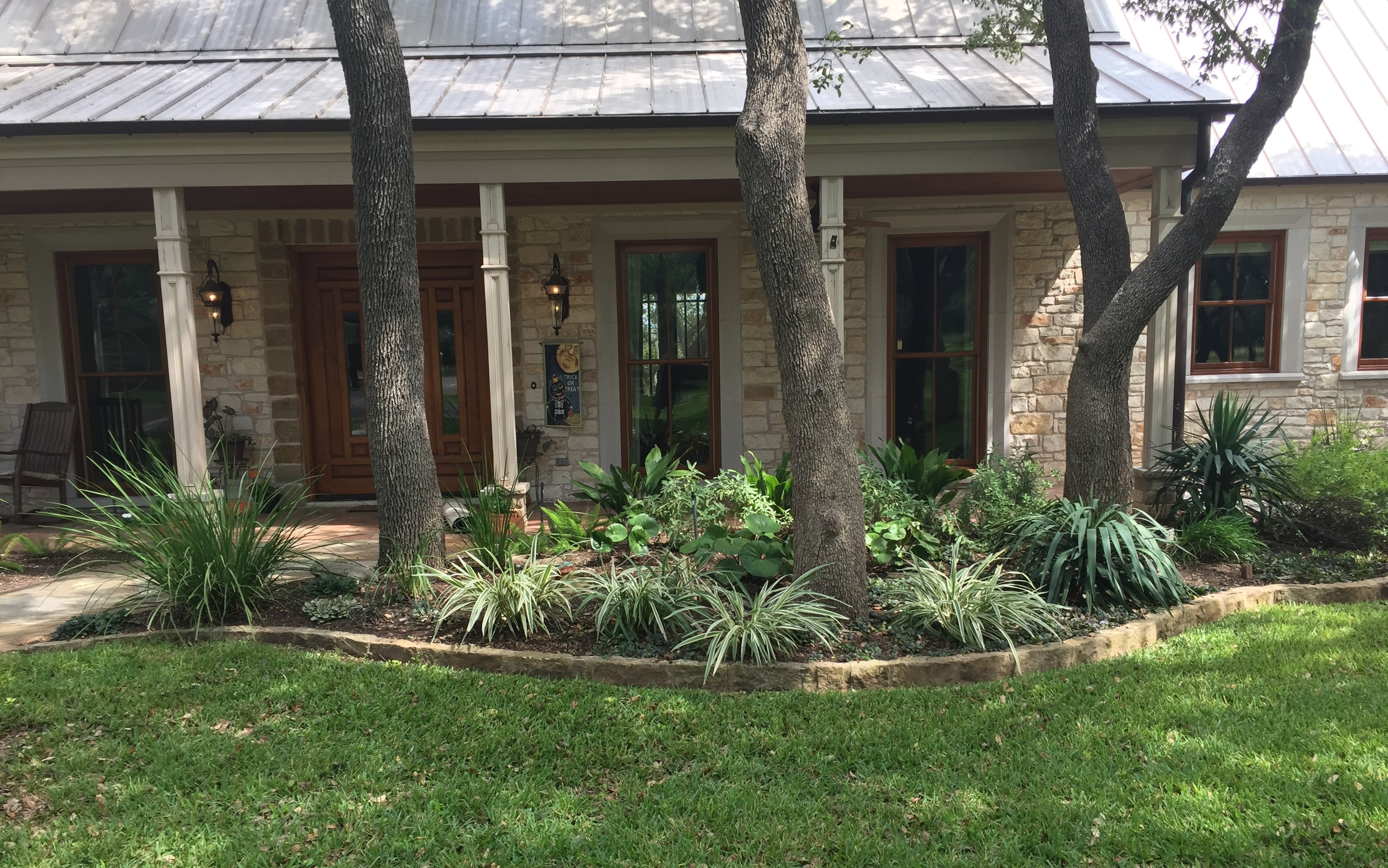 shaded hill country bed