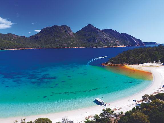 coral-expeditions-tasmania-wineglass-bay
