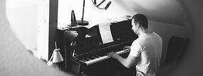 Aramis Merlin Piano