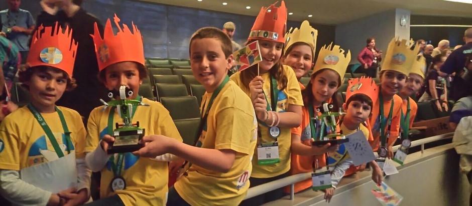 Dos equipos FIRST LEGO League Junior en el World Festival de St. Louis