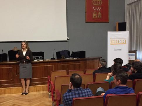 Almudena Díez, directora de los Programas de Formación clausura esta edición.