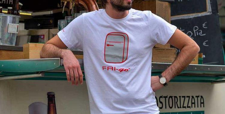 T-shirt in cotone con stampa FRI-go SUN
