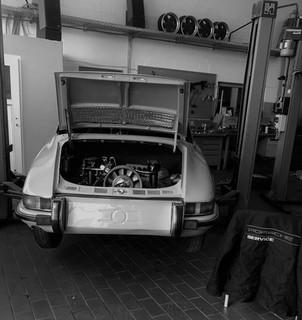 Porsche Service.jpg