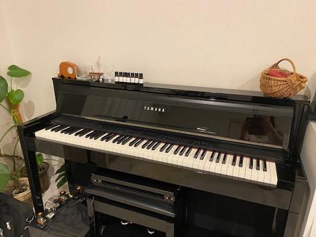 「アコースティックピアノと電子ピアノの違いとは」何がどう違うの?