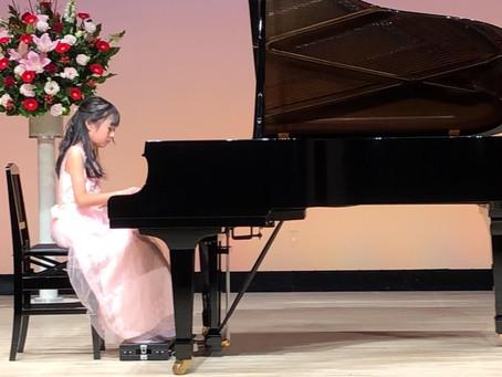 「ピアノ発表会のドレスの選び方」髪型、靴はどんなものがいいの?