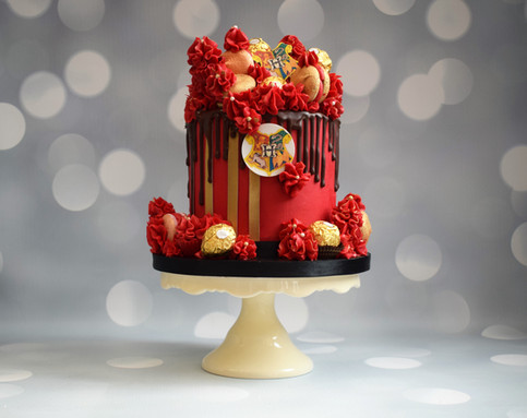 Harry Potter Drip Cake (17).JPG