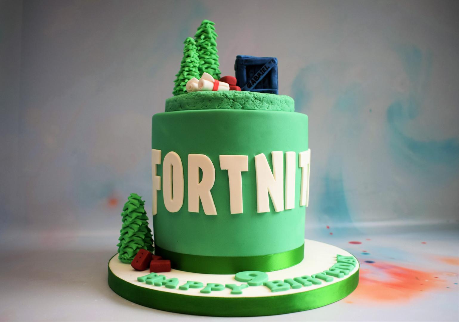 Fortnite Cake (5).JPG