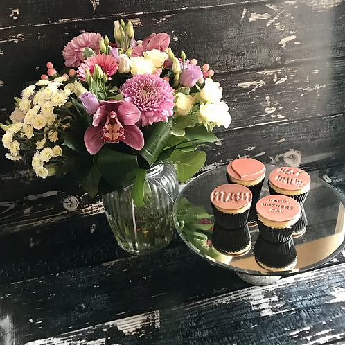 Mother's Day Cupcakes & Bouquet