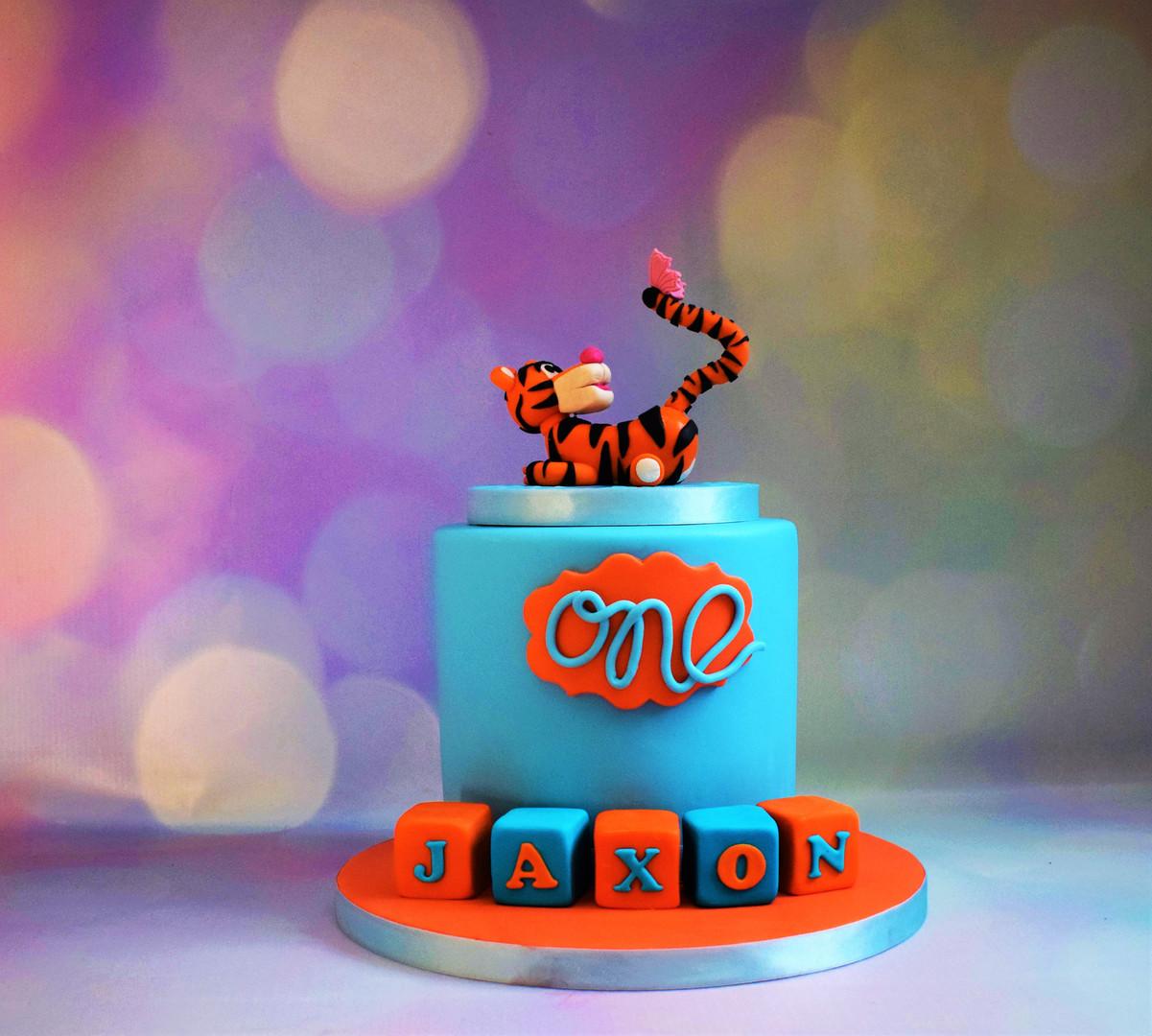 Tigger Cake (2).JPG