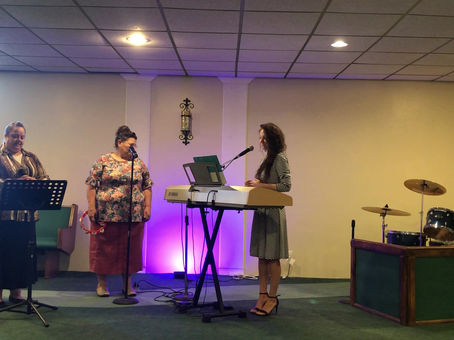 SUNDAY WORSHIP SONGS APRIL 26TH