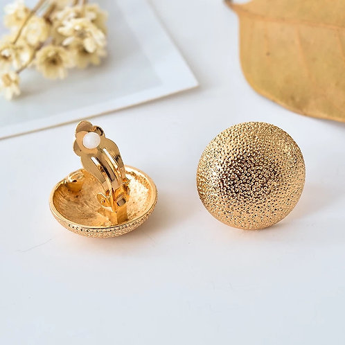 Gold nugget clip on