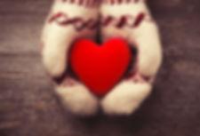 heart-mittens_Leks-Laputin-ThinkstockPho