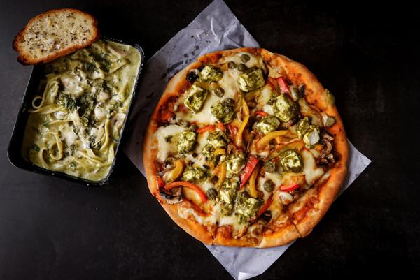 Pizza pasta Flatlay