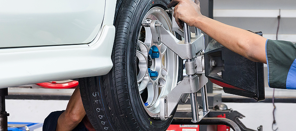 wheel-alignment-service-