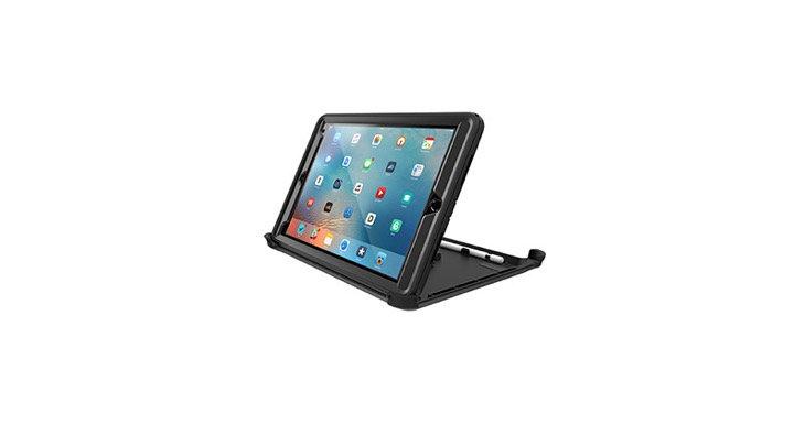 """OtterBox Defender Series iPad 9.7"""" (2017), Black"""