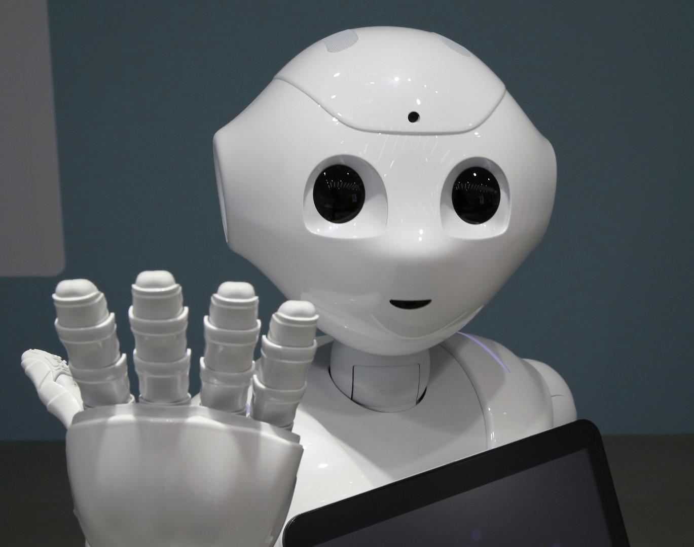 japan_softbank_emotional_robot_tok110_48
