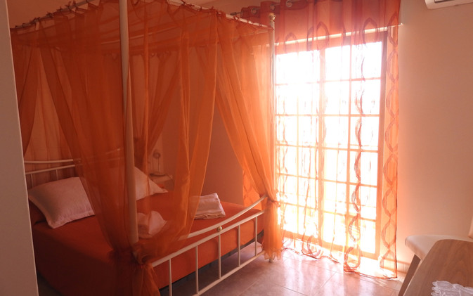 T2%20Olhao-chambre1_edited.jpg