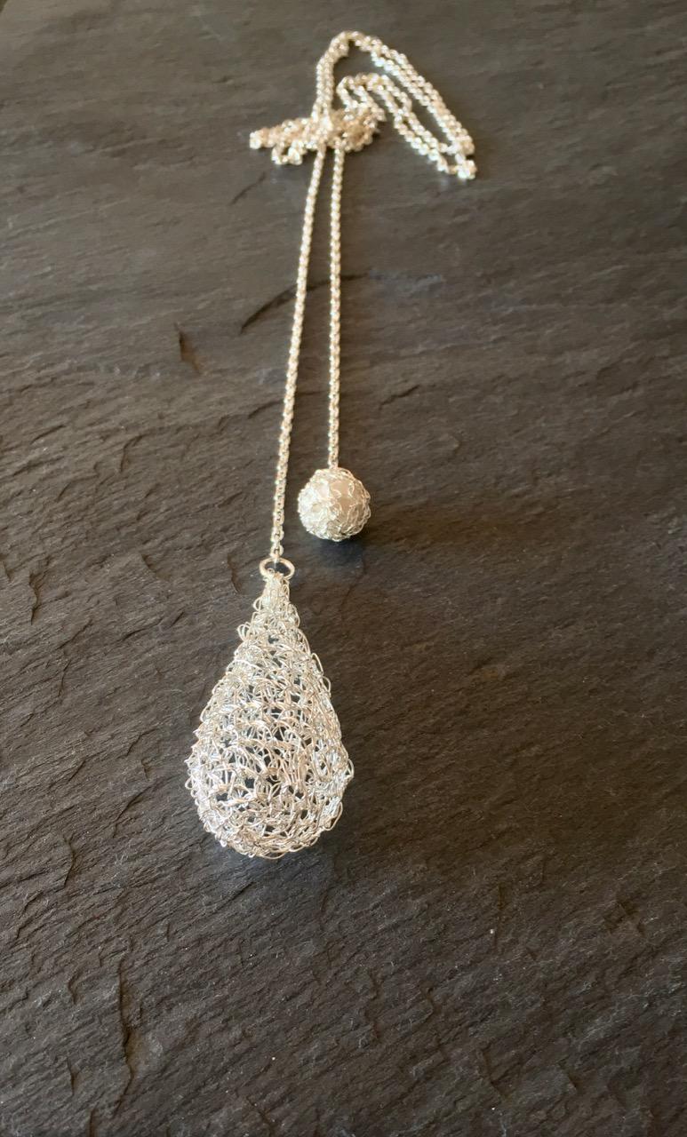 Dew Drop Infinity Necklace