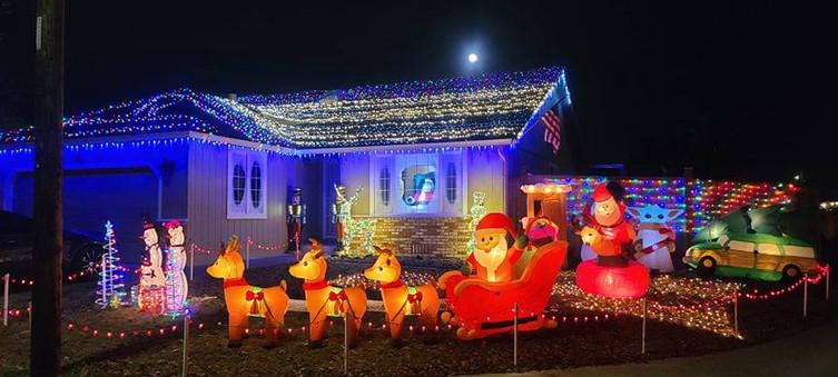 Mckinleyville Christmas Lighting Contest Share Image
