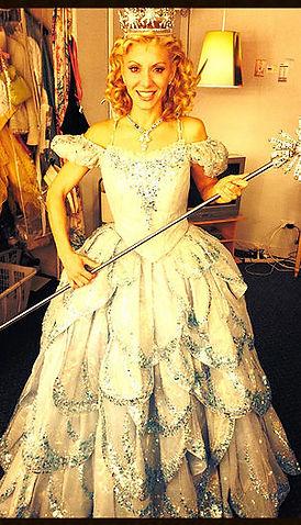 Laura Woyasz as Glinda in Wicked