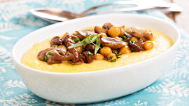 Transform a boring side-dish with healthy spice Turmeric: Savory Turmeric Polenta with mushrooms and