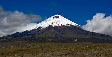 Cotopaxi_volcano_2008-06-27T1322.jpg