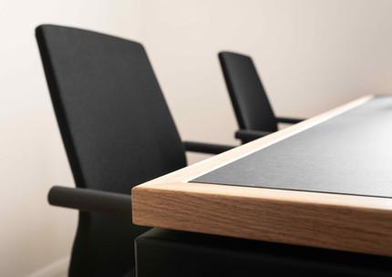 Hochwertige Holz und Linolium Kombination