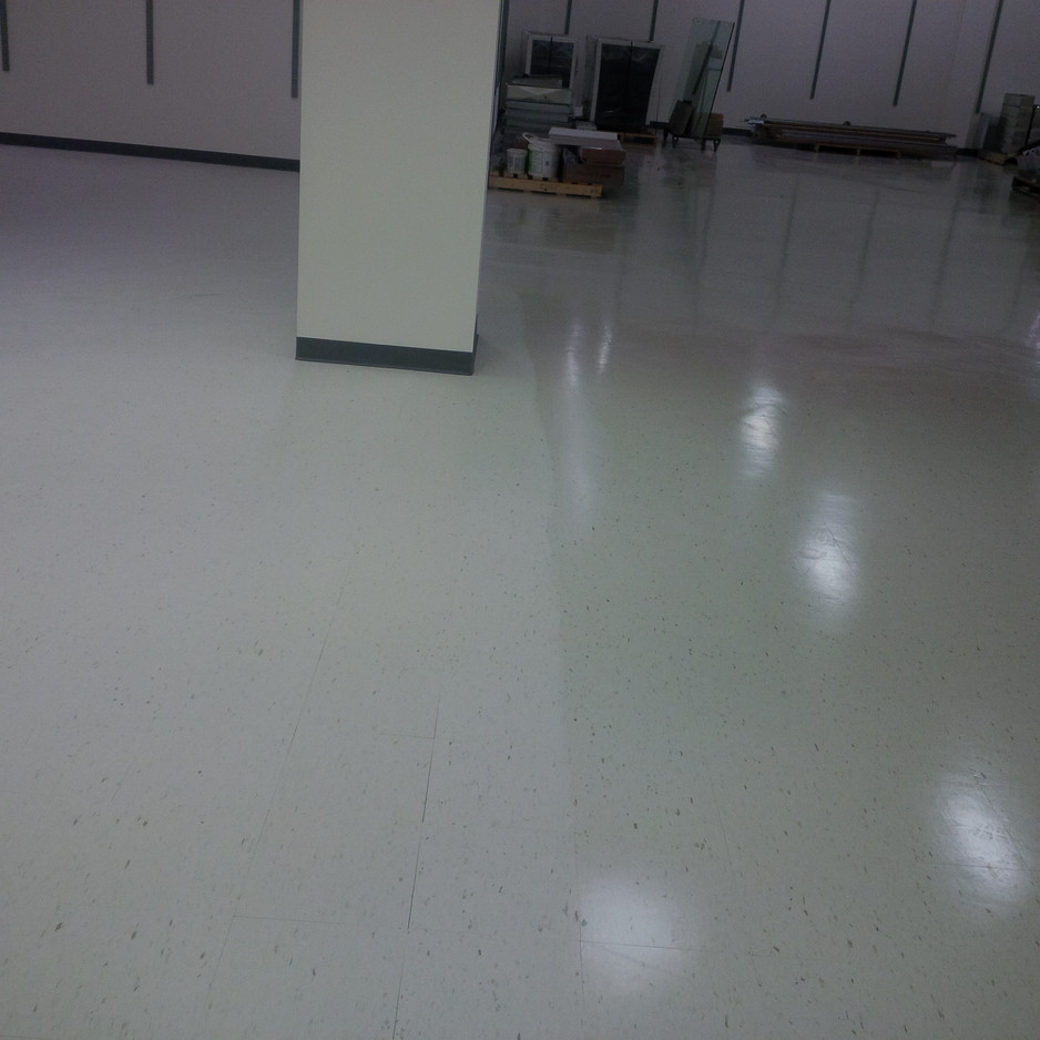 Floor demonstration no wax left and waxed right