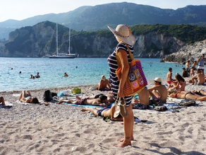 Greece aspires to keep tourists arriving past summer season