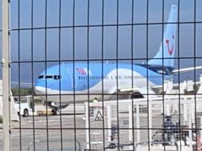 First 32 international flights of the season land on island airports of Greece (video)