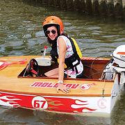 kaylie-jasinski-powerboat-racing