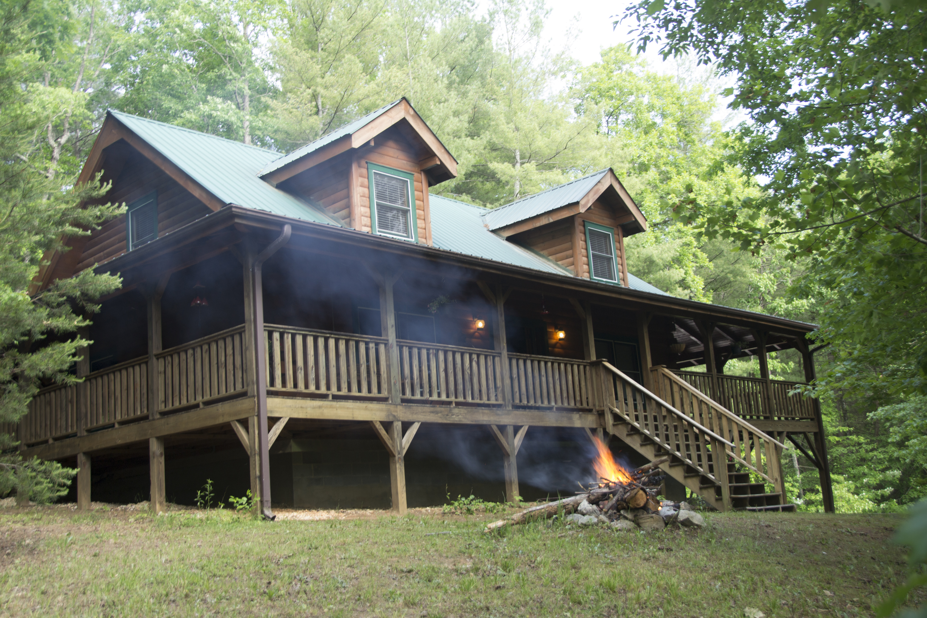 bear cabin vrbo nc mountain pin black cabins brown