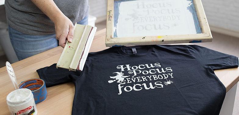 how-to-screen-print-vinyl-cricut-silhoue