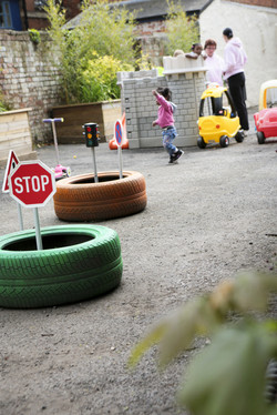 Tyre roundabout