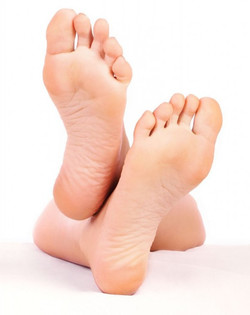 How-To-Heal-Cracked-Feet--600x756